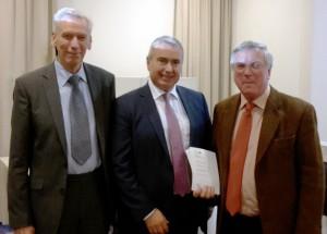 V.l.: Univ.-Prof. Dipl.-Ing. Dr. Helmut Kroiss (TU Wien), Wolfgang Ernst (OMV) und Dr. Alexander Gratzer (Geschäftsführung).